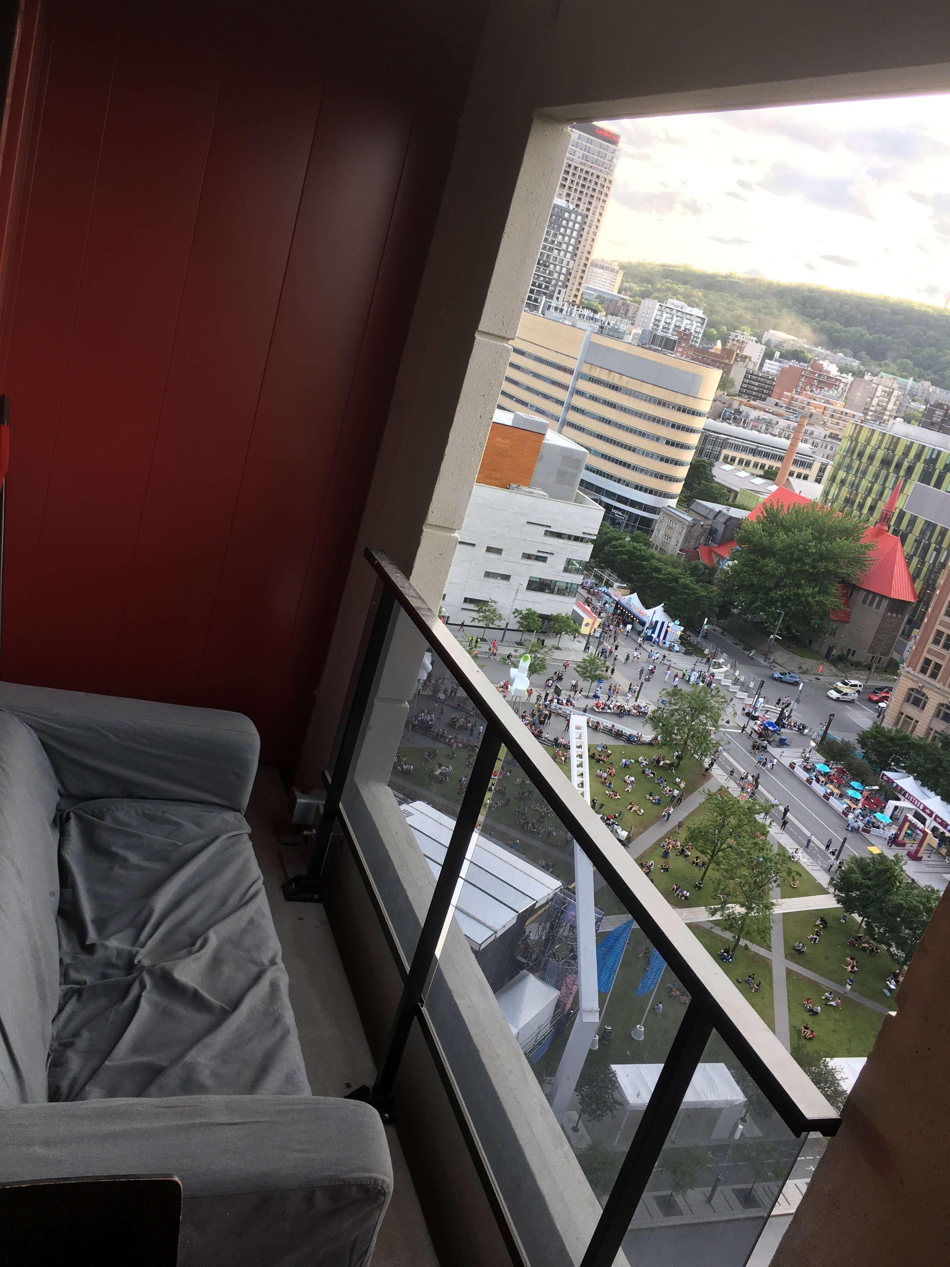 ldotm_balcon