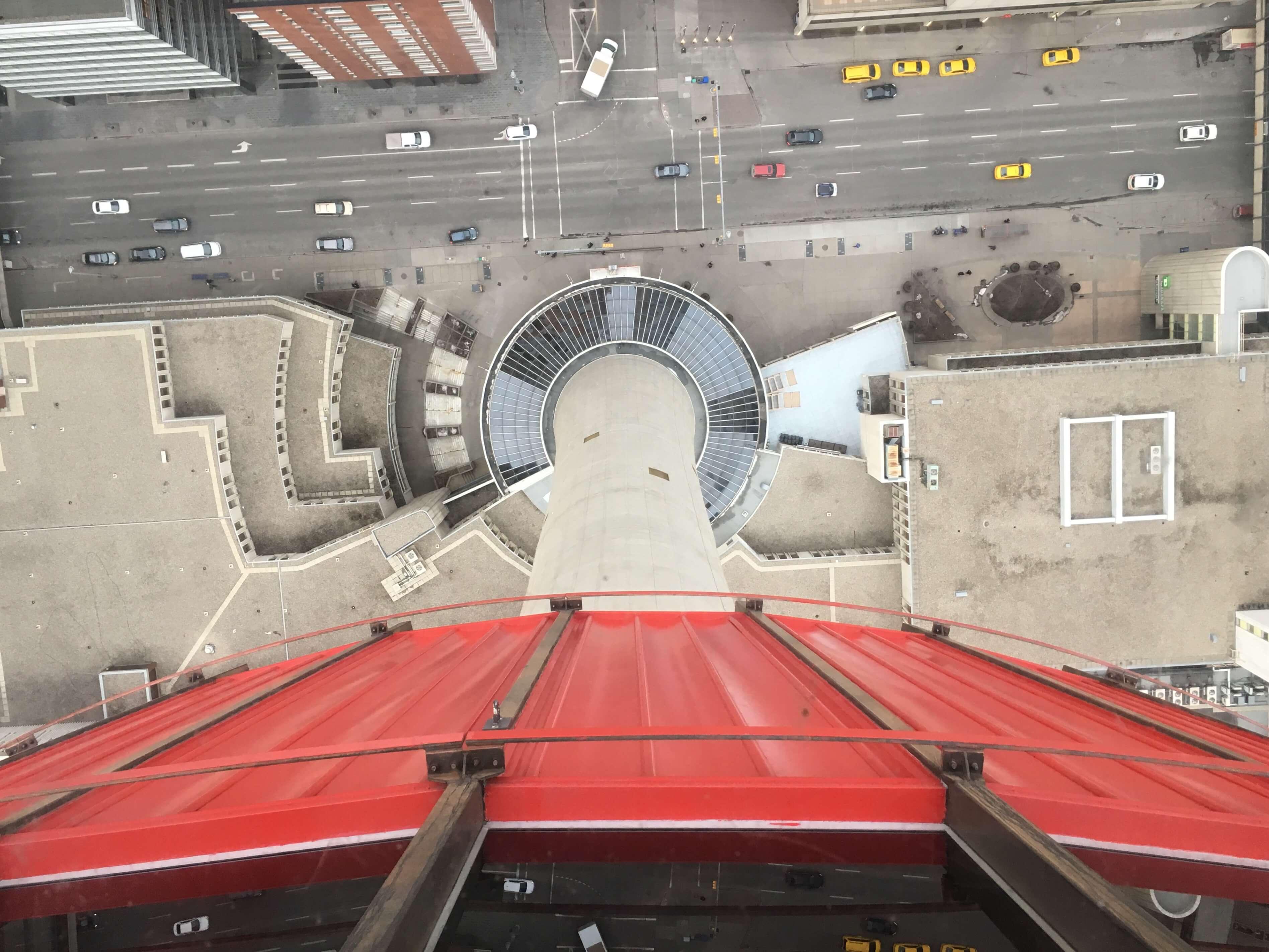 ldotm_calgary_tower_vue_bas