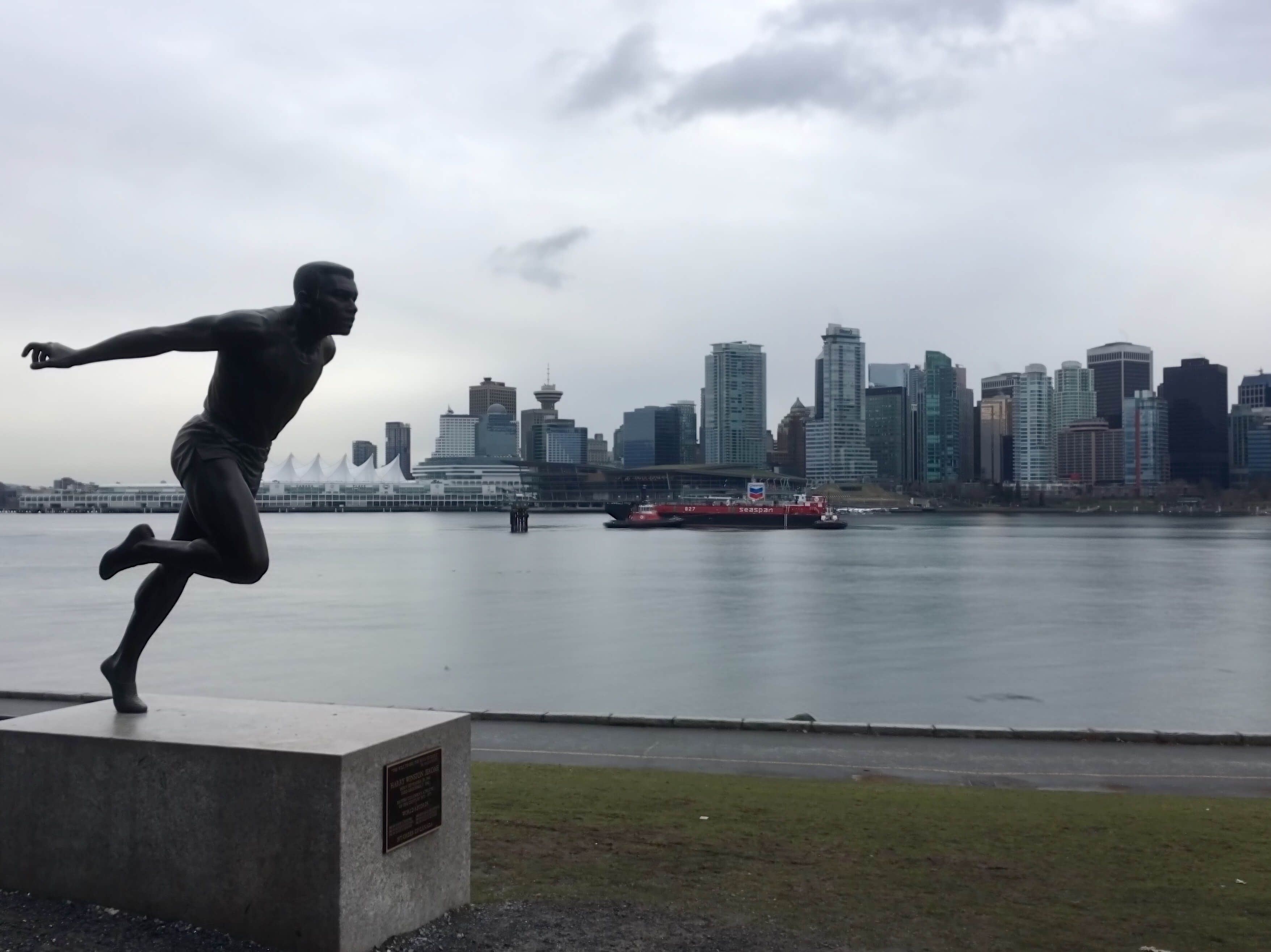 ldotm_vancouver_statue_downtown_background